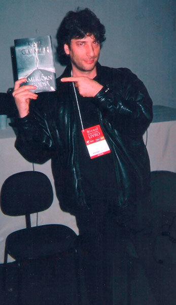 Neil Gaiman, o roteirista que transformou Sandman num enorme sucesso