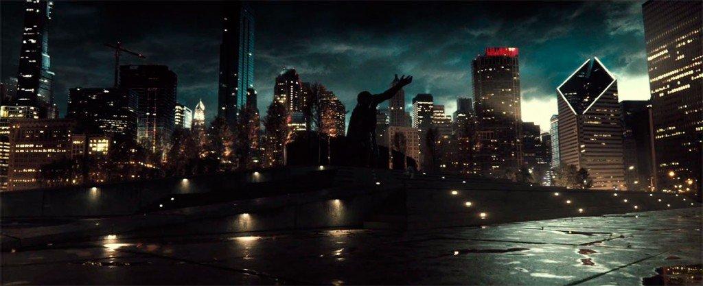 Praça com a estátua do Superman