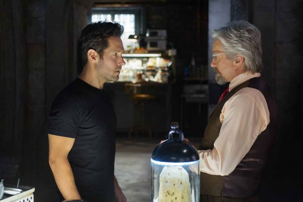 Paul Rudd (Scott Lang) e Michael Douglas (Hank Pym)