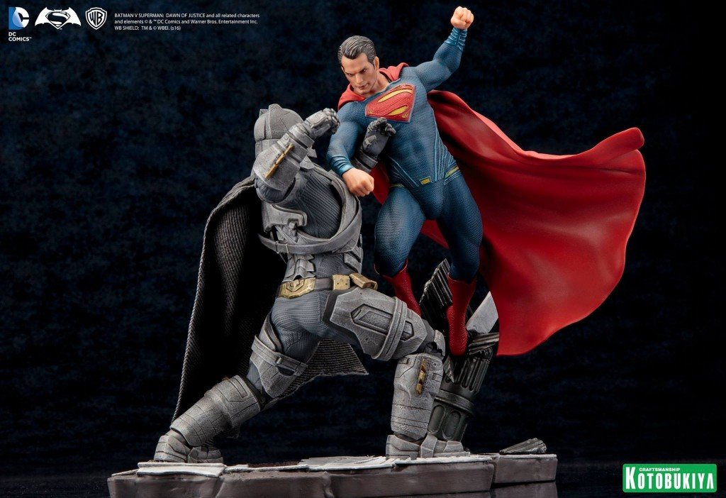 Estatueta Superman vs. Batman